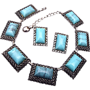 Blue Thermosets Necklace and Earring Set