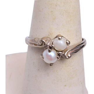 10kt White Gold and Pearl Ring 6-3/4