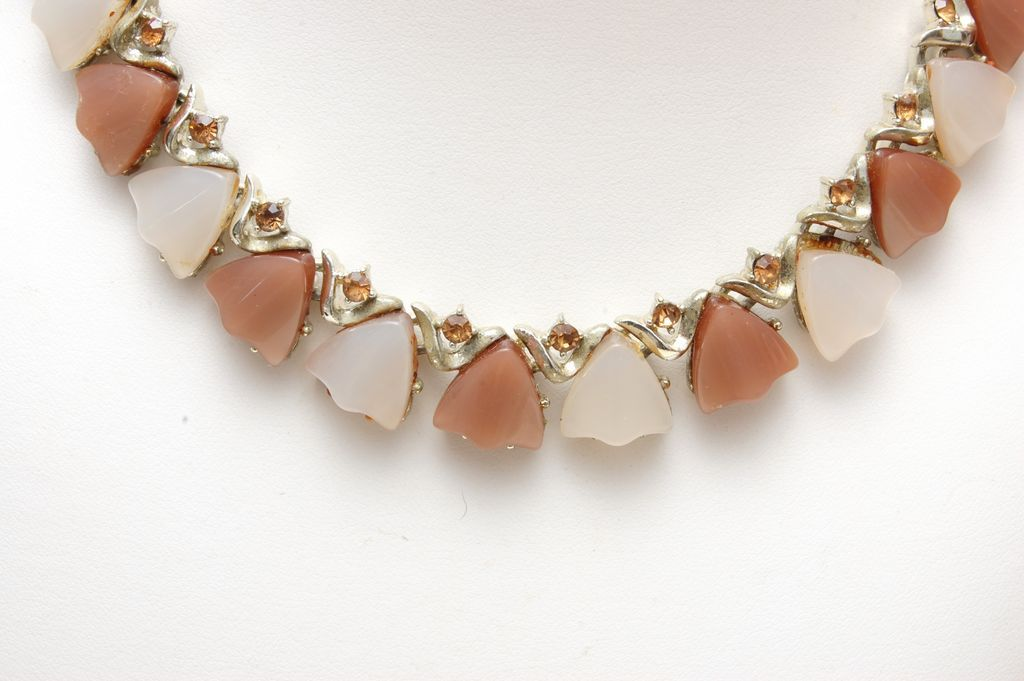 Coro Thermoset Necklace in Light Brown and Cream