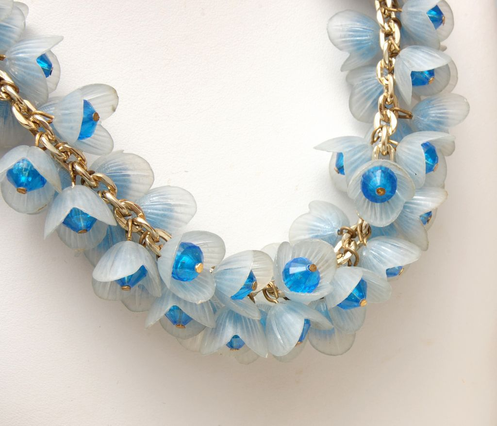 Super Fantastic Lucite Flower Necklace