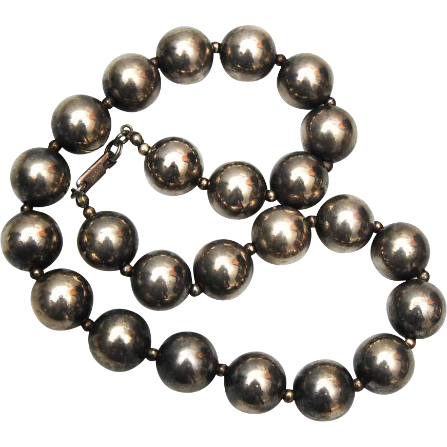 Dauplaise Silver Beaded Necklace 1976