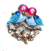 2 Pot Metal Love Birds With Lucite Heads Figural Brooch