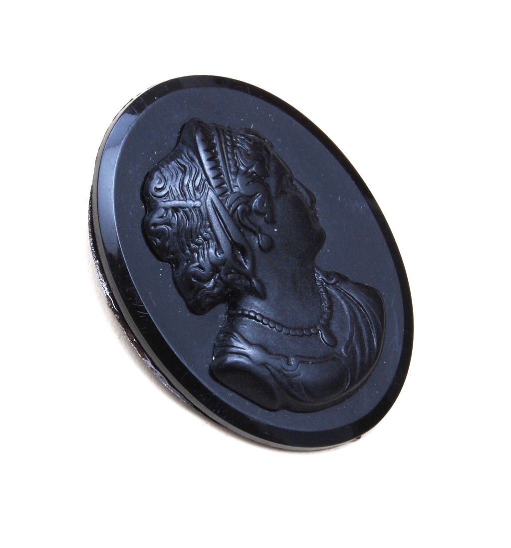 Old Bakelite Black Cameo