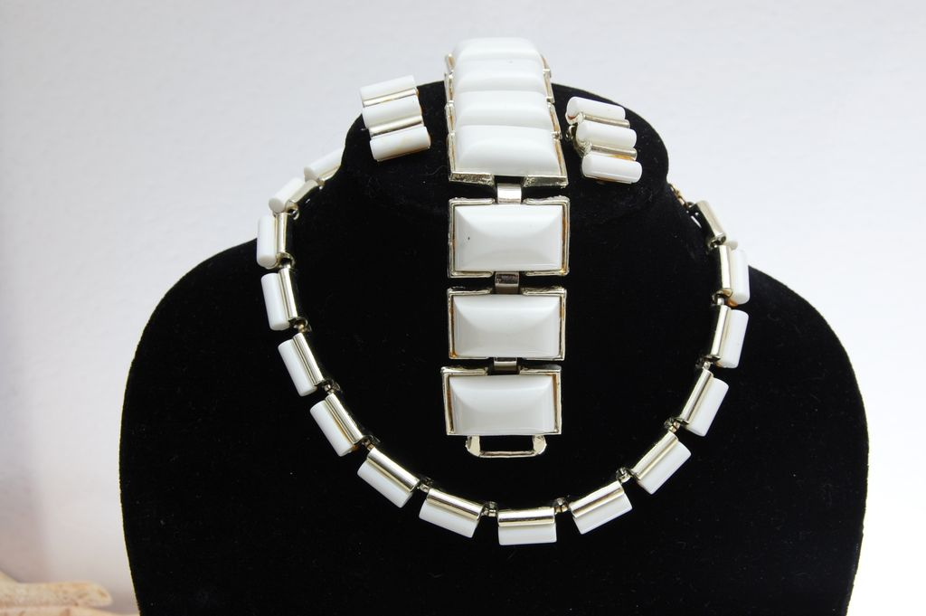 Charel White Thermoset or Lucite Parure