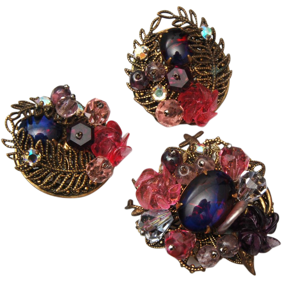 Fabulous Crystal and Molded Glass Brooch and Earring Set