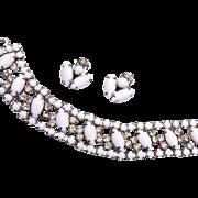La Rel White Milk Glass Bracelet and Earring Set