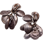 Napier 1950's Dangling Clam Shell Earrings