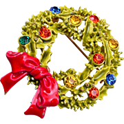 ART Enameled Christmas Wreath Brooch