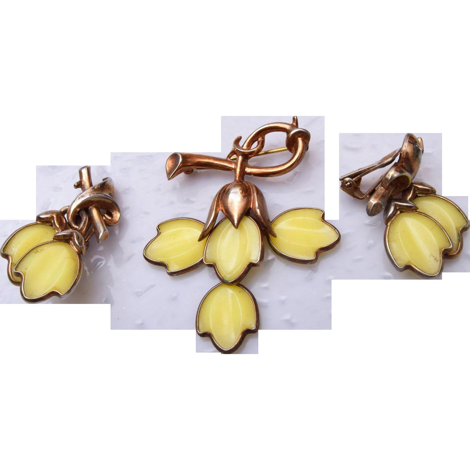 Trifari Yellow Dogwood Brooch and Earring Set