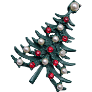 Green Enameled Christmas Tree Brooch with Red Rhinestones and Faux Pearl Ornaments