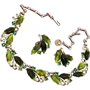 Lisner Green Glowing Leaf Necklace and Earring Set
