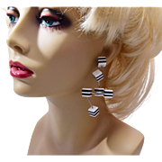 Fantastic Deco Black and White Pierced Earrings