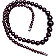 Beautiful Graduated Garnet Necklace