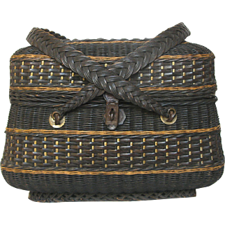 """Antique French Wicker """"Poultry"""" Panier - Woven Basket"""