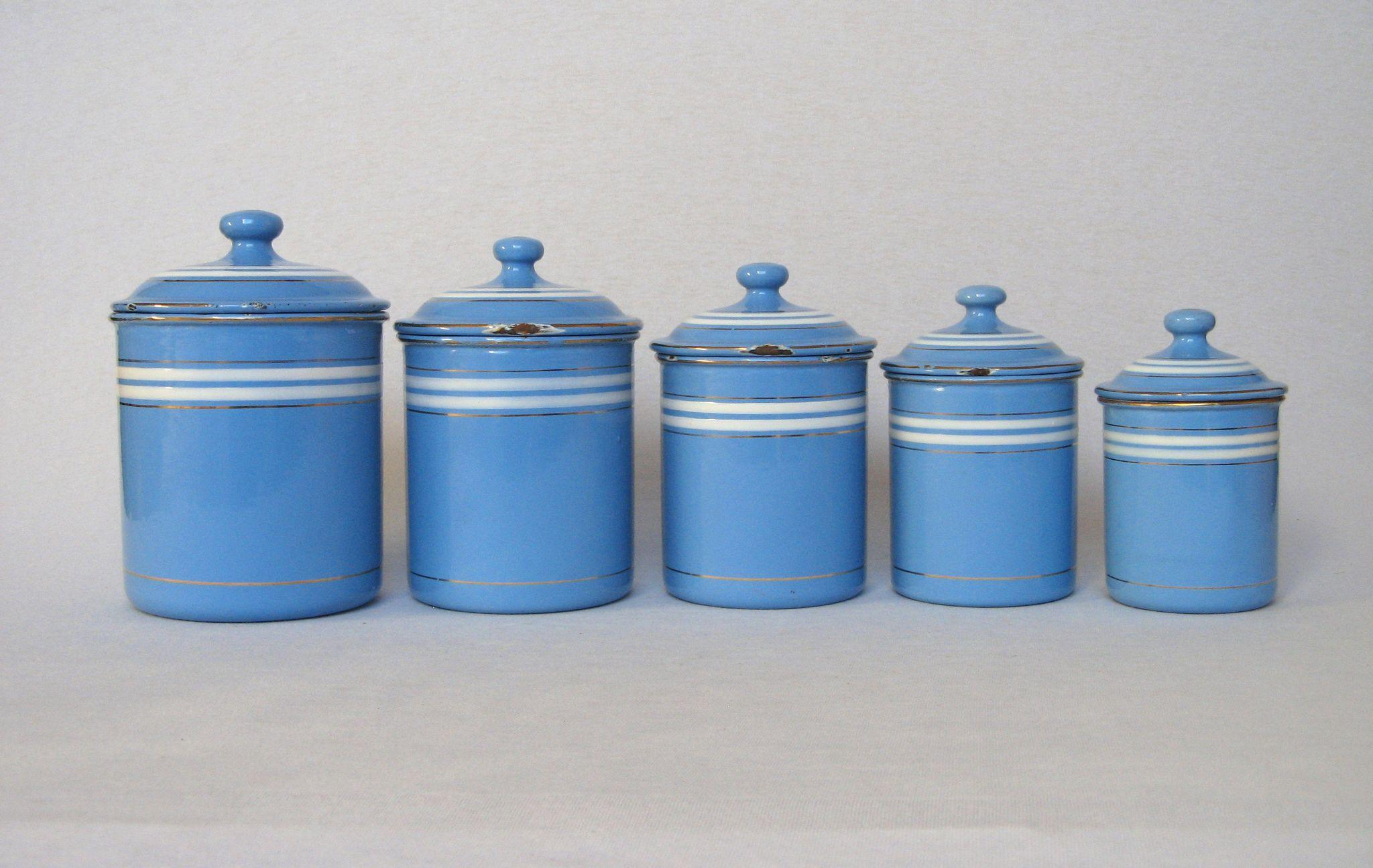 Royal blue kitchen canisters 28 images kitchen light for Kitchen set royal