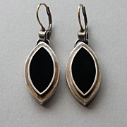 Navette marquise shape silver  earrings and black velvet