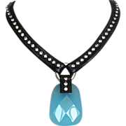 Black leather necklace turquoise quartz and Swarovski in vogue jewelry
