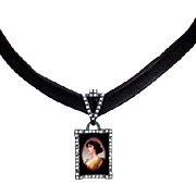 Feminine cameo silver rhinestones pendant leather choker statement jewelry