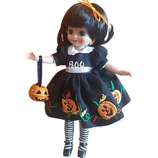 "2006 Robert Tonner Betsy McCall Bootiful Halloween Doll 8"""