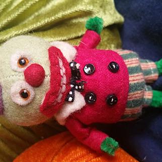 Adorable Artist Jodi Battaglia Halloween Gourd BOO Felt Doll